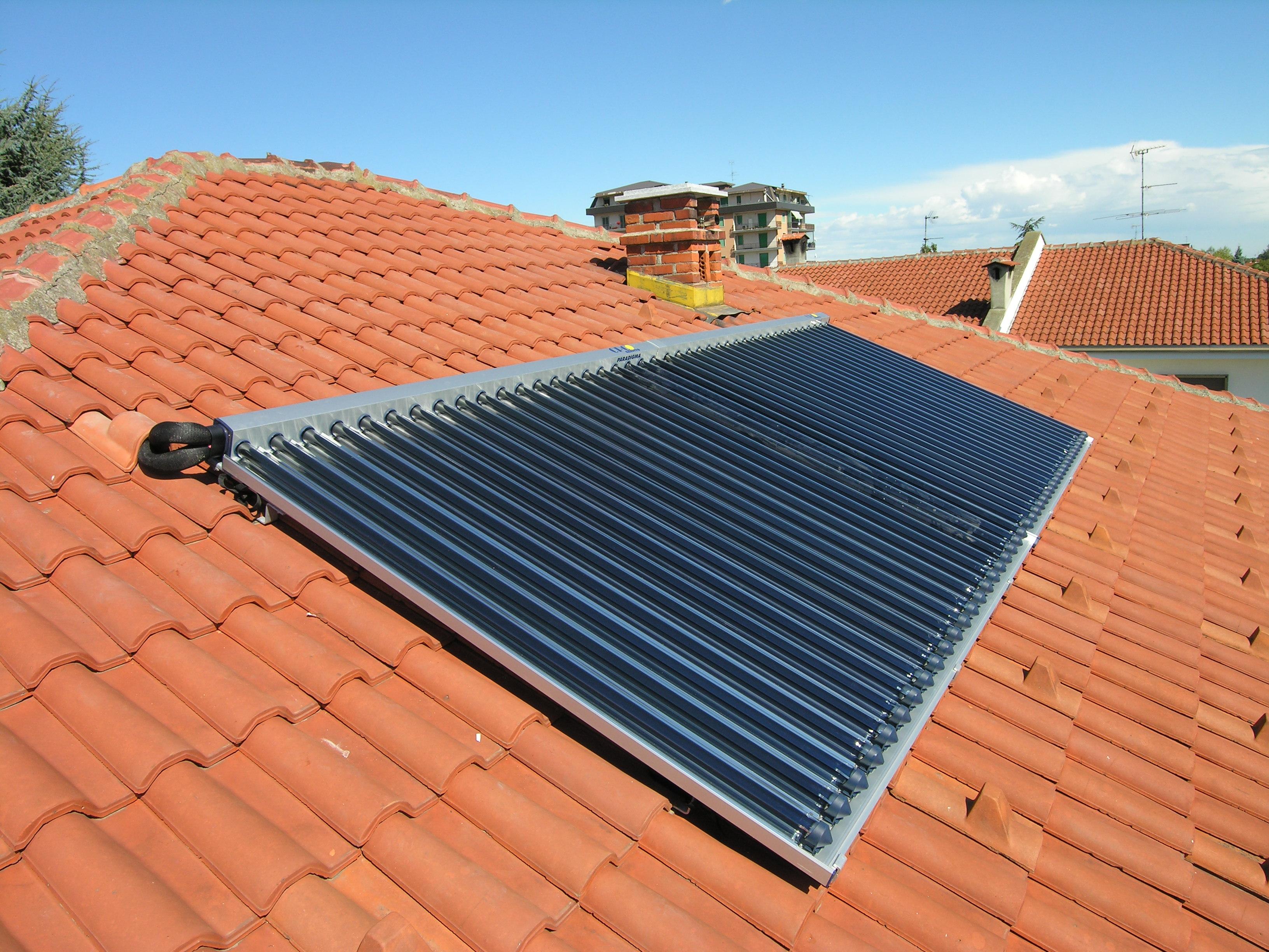 Pannello Solare Termico A Tubi Sottovuoto : Collettore a tubi sottovuoto